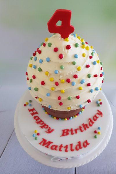 4th birthday custom cake southampton